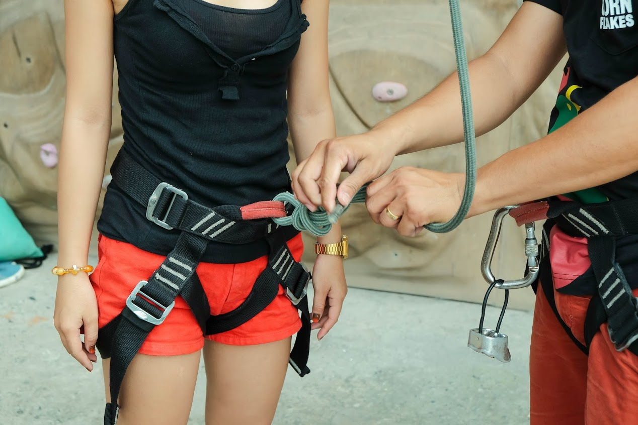BELAY AND SAFETY COURSE